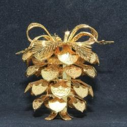 2005 - A Perfect Pine Cone