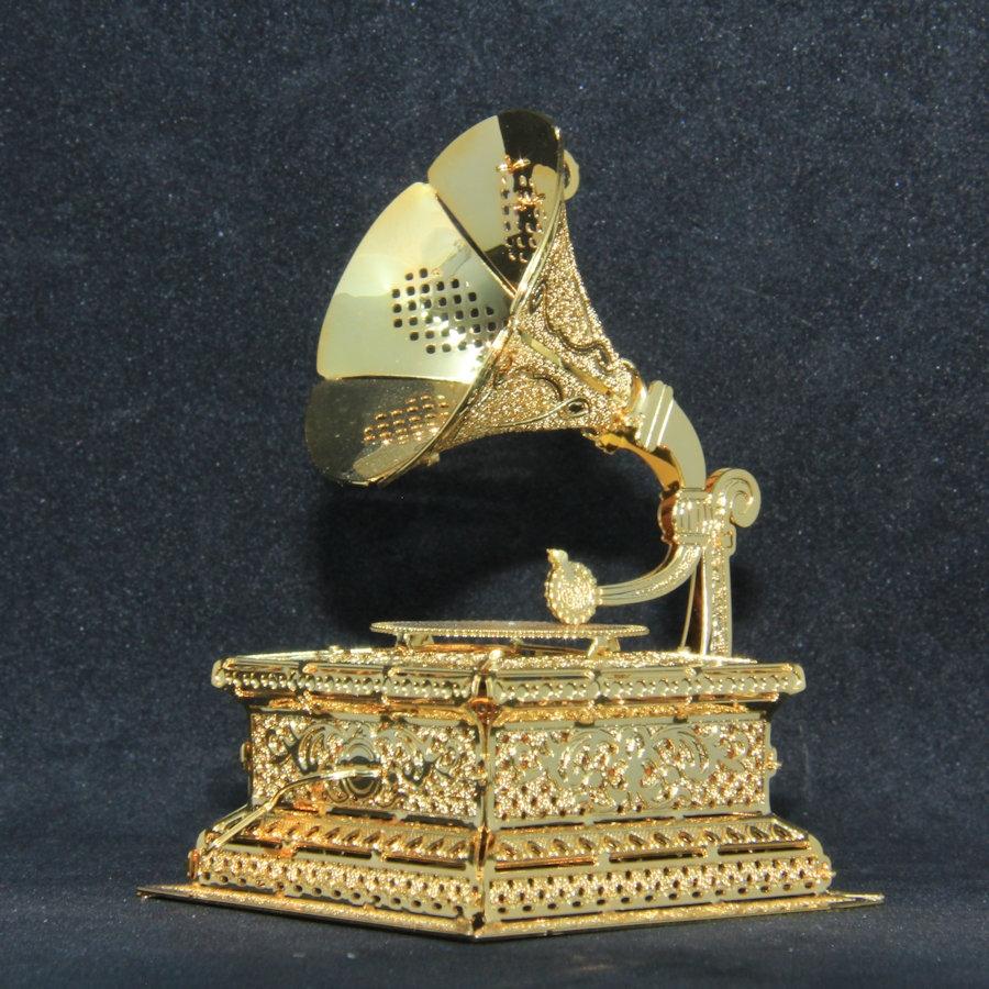 2013 - Vintage Phonograph